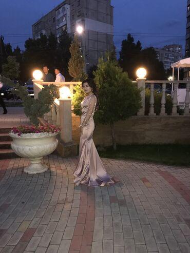 dresses в Кыргызстан: Платье сшито на заказ. Пуговицы на спине и бисер по рукам является руч