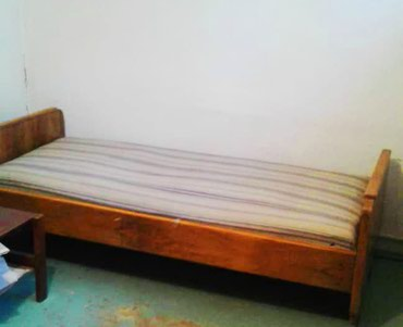 Продаю две деревянные кровати б/у, в Бишкек