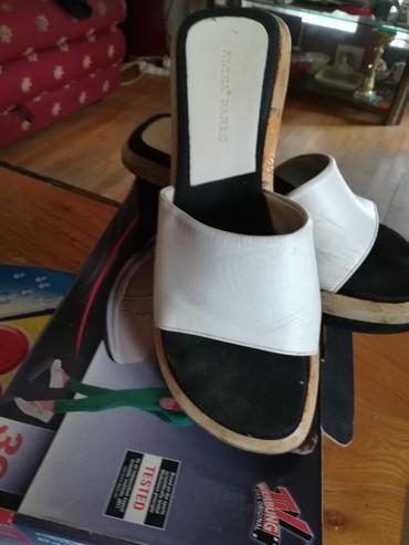 Predobre kožne papuče ,elegantne. plaćene 50e. br.38,5 - Krusevac