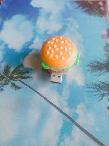 Flas kart 16 gb (qamburger formalı)