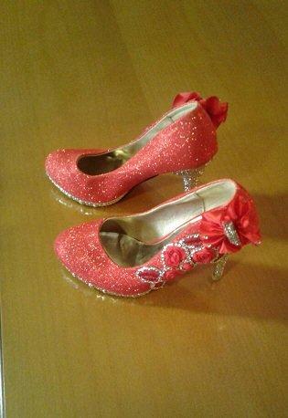 Нарядные свадебные туфли красные с в Бишкек