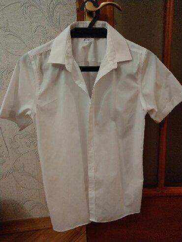 Тениска для школы от фирмы Mark's and Spenser На 13-14 лет. В наличии