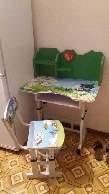 Детская парта в отличном состоянии в Бишкек