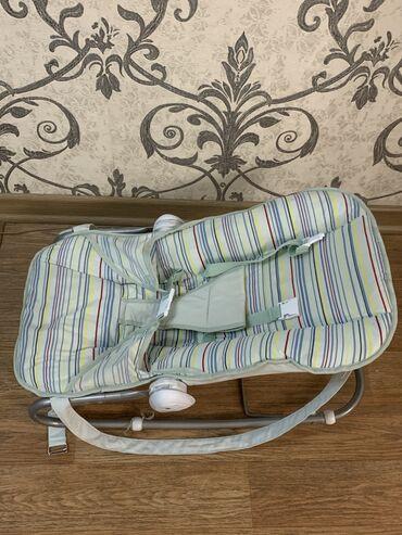 Коляски - Кыргызстан: Кресло-качели для малыша.0+ до 1,5 годика.Хорошее качество