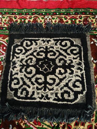 белая kia в Ак-Джол: Национальные мини коврики. Ручная работа. 4 шт, каждые по 1000