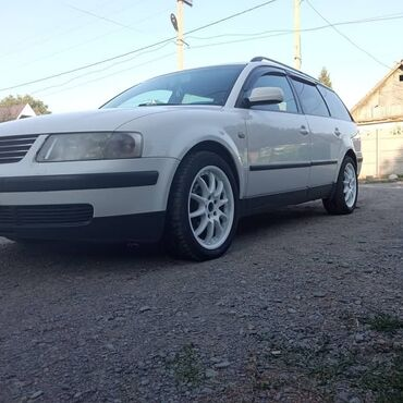 1433 объявлений: Volkswagen Passat 1.8 л. 2000
