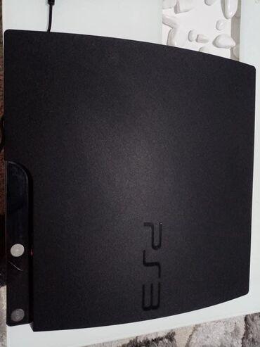 Elektronika - Kopaonik: Na prodaju Sony Playstation 3 u extra stanju,uz Sony idu 3 dzojstika