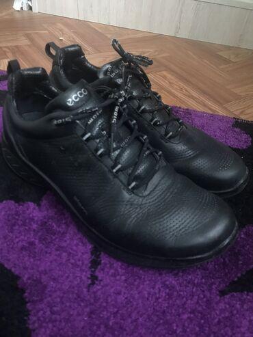 Кроссовки: ecco (водонепроницаемые, кожа) Размер: 42 Цена: 1500