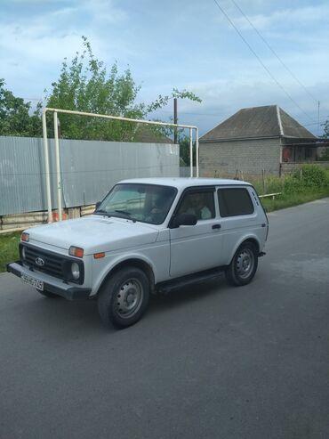 VAZ (LADA) Ağsuda: VAZ (LADA) 4x4 Niva 1.7 l. 2005 | 128473 km