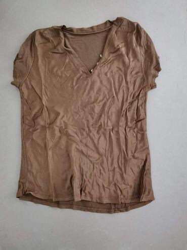 Ženske majice - Novo - Sivac: 1000din/kom