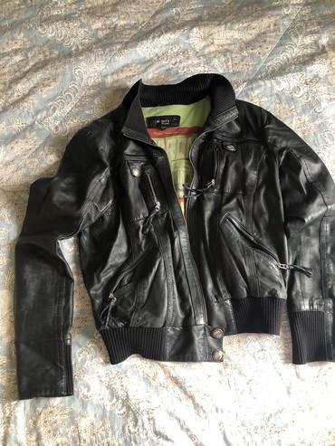 стирающая кожаная куртка в Кыргызстан: Кожаная куртка натуральная 42р. Возможен торг