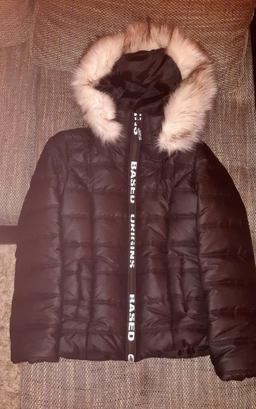 Nova zenska jakna ,vel M,crne boje mogucnost skidanja kapuljace - Belgrade