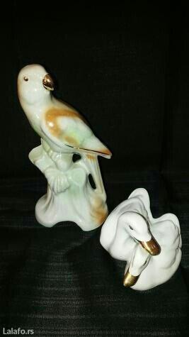 Komplet figura od porcelana. Cena je za obe. Visina papagaja 15 cm. - Novi Sad - slika 3