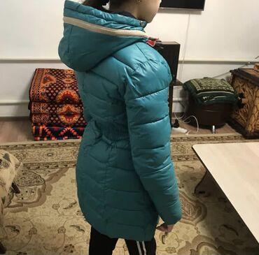 жен куртка в Кыргызстан: Женская куртка, размер M-L (44-46)  В отличном состоянии  Бишкек - Кар