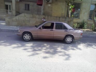 Mercedes-Benz Yevlaxda: Mercedes-Benz 190-Series 2 l. 1992 | 80055590 km
