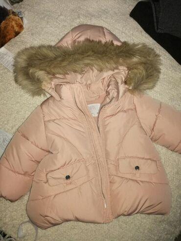 Zara jaknica za bebe 3—6 meseci dva puta nosena