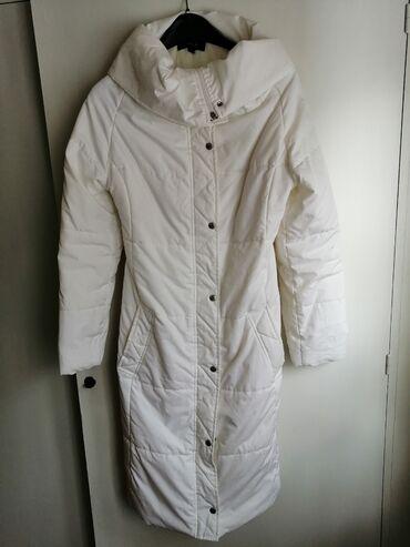 Tally Wail jakna, nosena kratko, u odličnom stanju. Veli ina M, ali