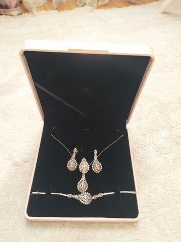 подарок мужу на новый год в Азербайджан: 925 eyyar yeni gumus dest satilir. Hediyye alinib amma hec taxilmayib