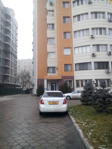 вторичная недвижимость в Кыргызстан: Продается квартира: 2 комнаты, 100 кв. м