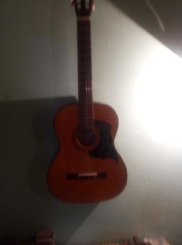 aro-24-2-1-td - Azərbaycan: Klassik gitara əla vəziyyətdədir üstündə kapo əlavə 1 2 3 simlər