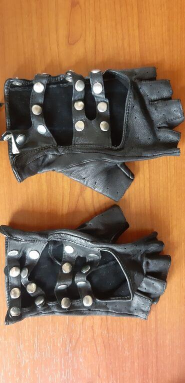 Rukavice | Crvenka: Kozne rukavice bez prstiju,velicina na jednoj od slika. Stanje kao na