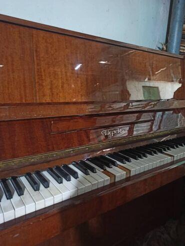 Спорт и хобби - Полтавка: Продаю фортепиано в рабочем состоянии 5000 сом
