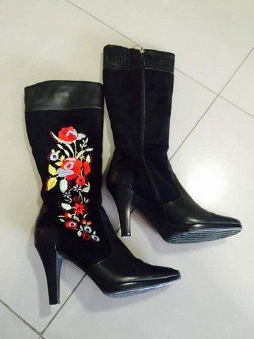 Зимние женские сапоги 37 размера с вышивкой. в Бишкек