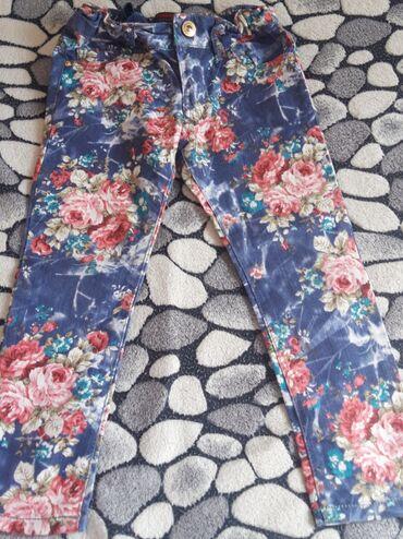 Продаю детские джинсы на 4-5 лет