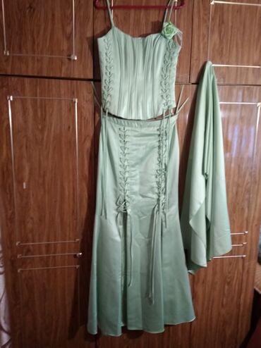 зелёное вечернее платье в Кыргызстан: Вечернее платье с шарфом, размер 44-46, состояние отличное. Цена 2500