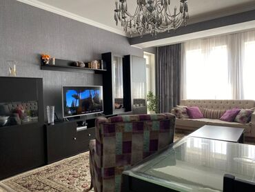 продаю 3 х комнатную квартиру в бишкеке в Кыргызстан: 4 комнаты, 150 кв. м С мебелью