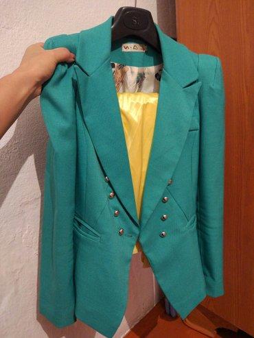 Жакет зелёного цвета.  Размер S. Состояние отличное. Качество отличное в Бишкек