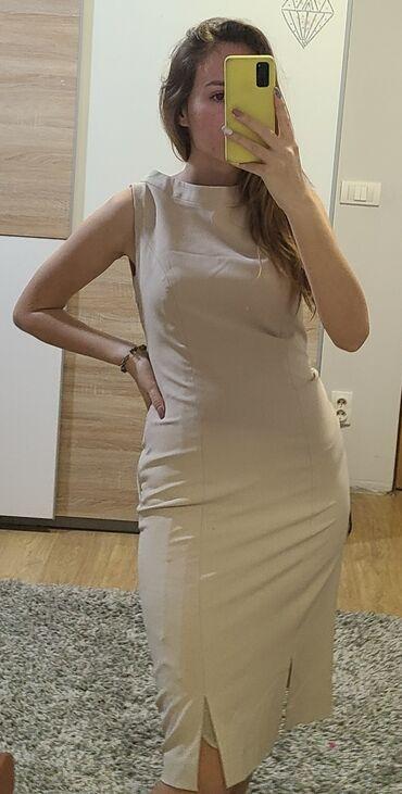 AMC haljina, klasicna, duzina ide do kolena, izuzetnog kvaliteta