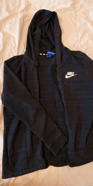 Oko stvari mix musko zenski prva klasa - Srbija: Nike original duks, par puta nosen, M velicina, oko svih stvari moze d