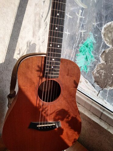 биндеры 230 листов электрические в Кыргызстан: Раритетная гитара фирмы Taylor Quality guitars. Модель Taylor