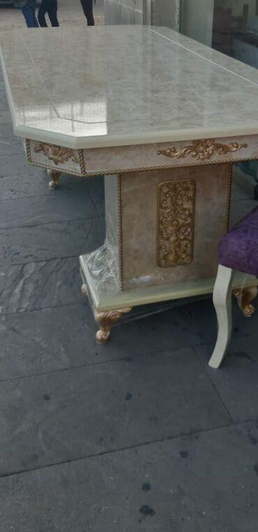 Tek masa zalaz edlib rengi uygun olayib hec upakofqadan acilmayin.eni