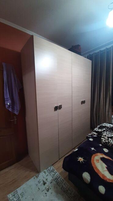 Продаю шкаф 180см на 230см глубина 0.60см. Находится в мкр Восток