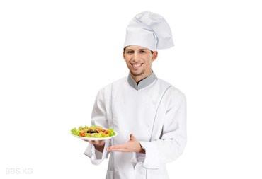 Требуется повар-универсал в ресторан. в Бишкек