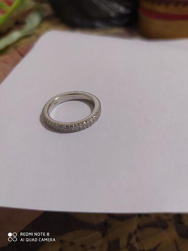 Кольцо серебрянный 18й размер женский 1000сом