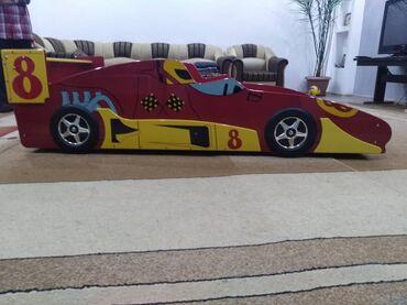 Детская мебель - Цвет: Красный - Бишкек: Продаю детскую кровать в хорошем качестве