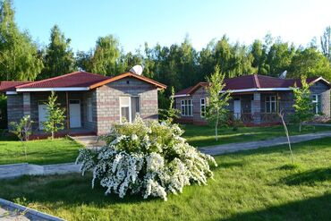 Недвижимость - Кара-Ой: 50 кв. м 2 комнаты, Утепленный, Теплый пол, Балкон застеклен
