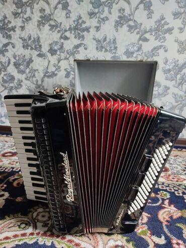 Срочно продаю новый аккордеон роялстандарт метеорочень хороший