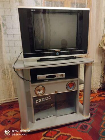 krosna aparati - Azərbaycan: Televizor, altlığı ve krosna aparati 3 u birlikdə 130 manata satılır