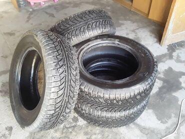 шины на 17 цена в Кыргызстан: Продается зимняя резина 235 65 r 17 состояние отличное.цена