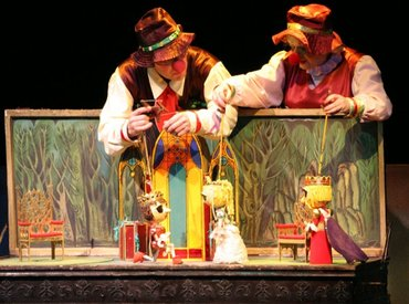 Требуется актёры театра кукол. можно в Бишкек