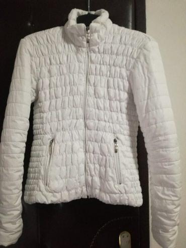 Biserno bela jakna - Pirot