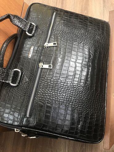 Продается новая кожанная сумка от ноутбука, производство Турция
