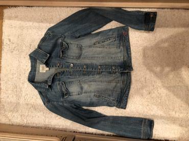 джинсова курточка в Кыргызстан: Джинсовая курточка Mango, состояние отличное, размер M, качество супер