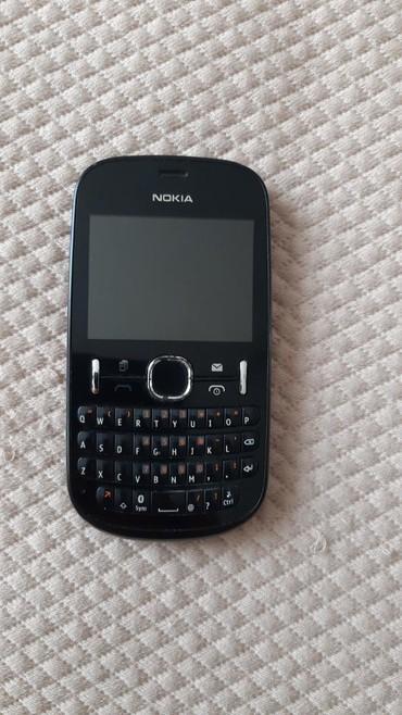 Bakı şəhərində Iwlek veziyyetdedir.seliqeli qalib.Nokia 200.