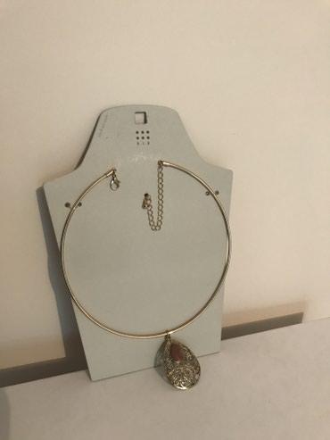 Ogrlica sa priveskom -Nova, neotpakovana ogrlica SIX MAS sa priveskom. - Pancevo