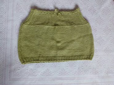 Zvonaste-pantalone-sa-dubokim-strukom-pol - Srbija: Vunena suknja sa podesivim strukom